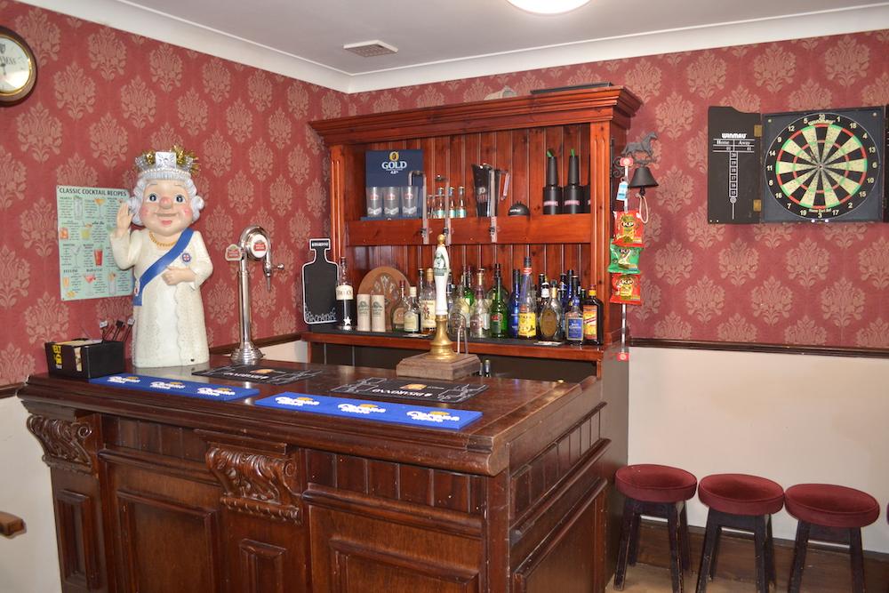 Arncliffe Court Bar