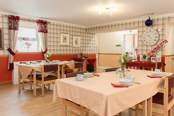 Goldielea care home dining