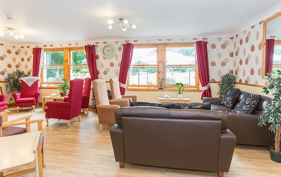 Goldielea care home lounge
