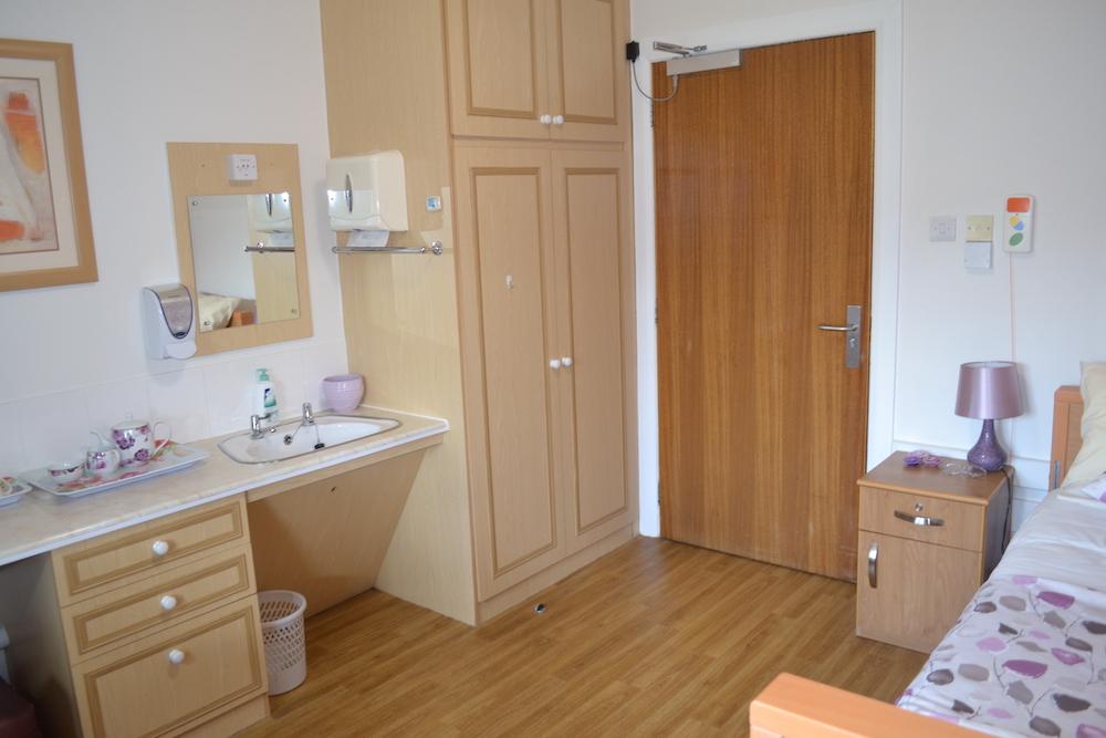 Rutherglen Care Home exterior bedroom