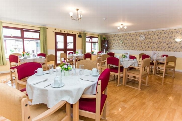 annan court dining room
