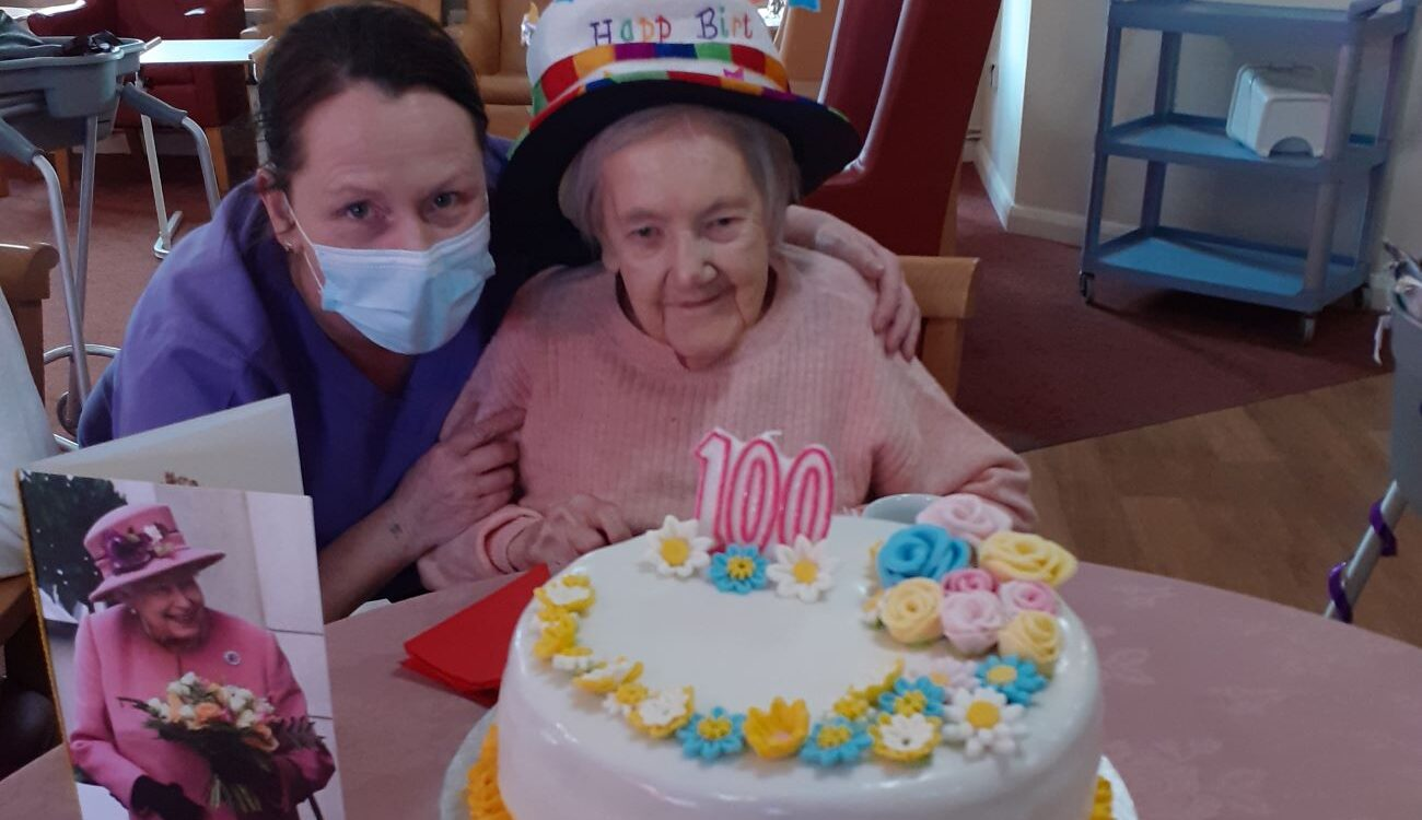 Francis turns 100