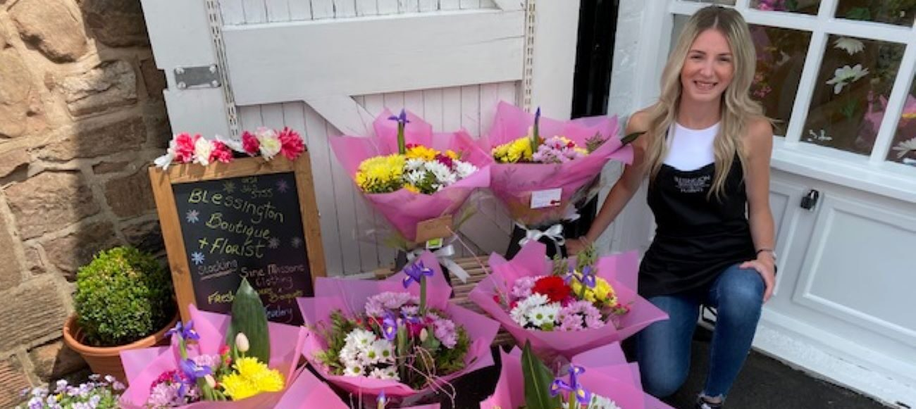 Former Stonedale Carer Delivers Floral Tribute To Raise Spirits