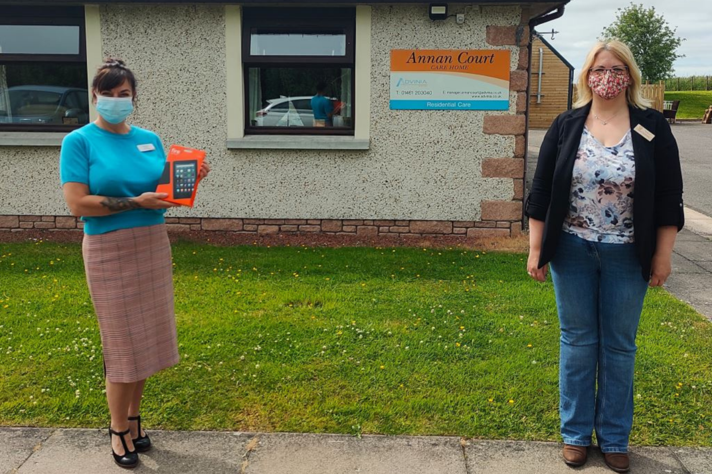 Local Rotary Club Presents Annan Court With Dementia-friendly Tablet Computers