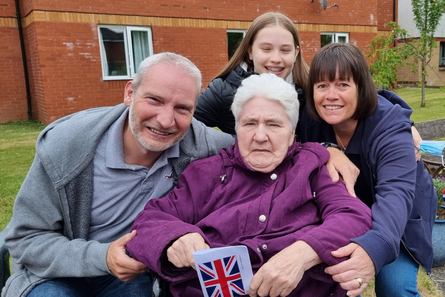 Newcarron Singer Inspires Magical Moment Between Resident and Her Son
