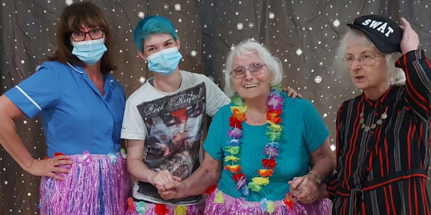 Karaoke Fancy Dress Party Brings Fun and Laughter To Mill View